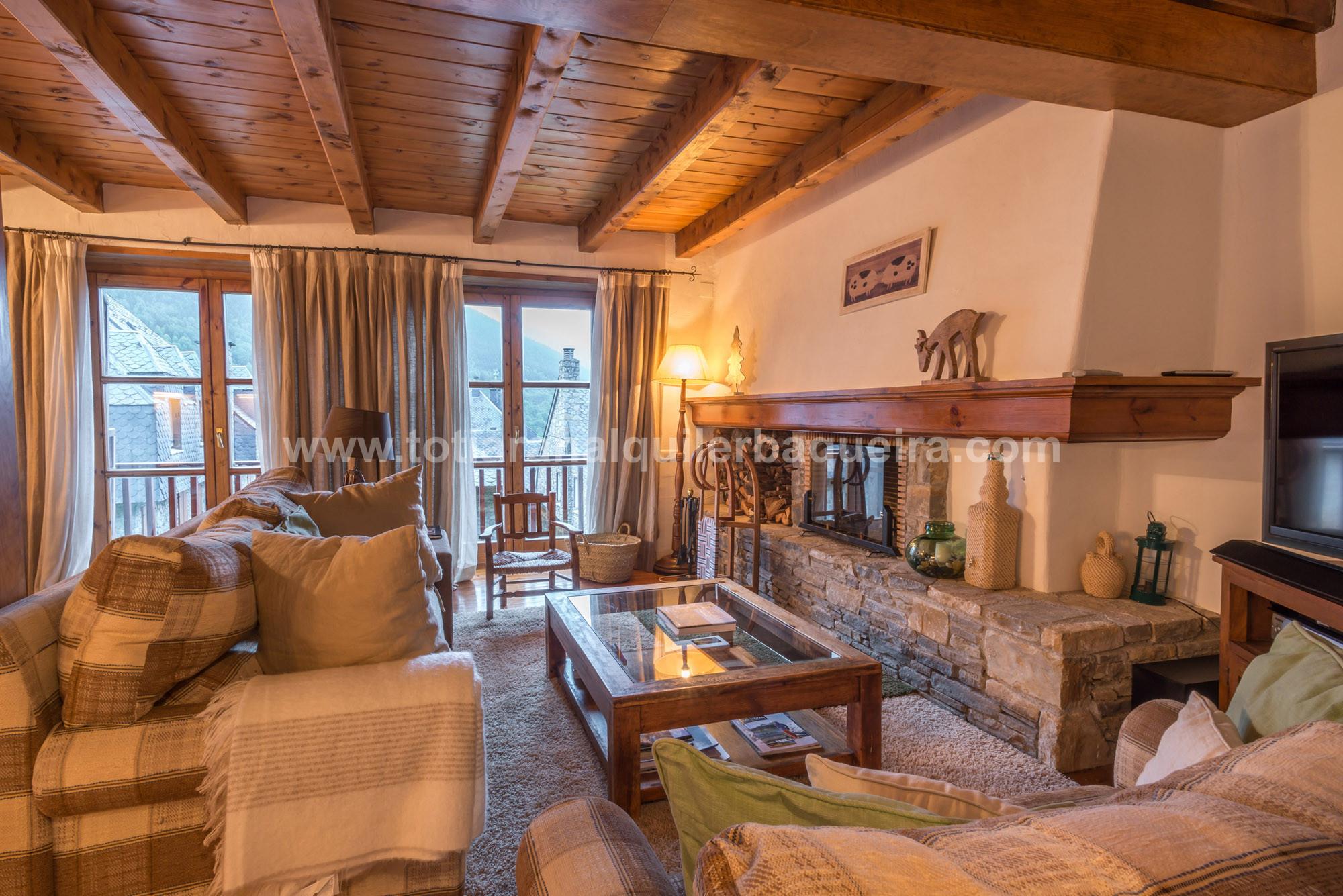 Salon Carlac  Totiaran, appartement à Salardú, Val d'Aran